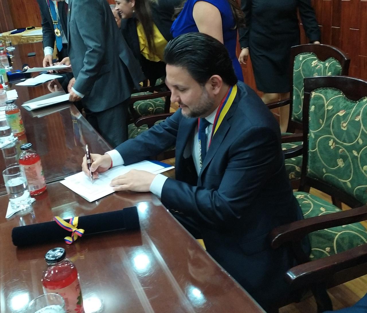 MTOP firma convenio interinstitucional para rehabilitar la vía «Y» de Celica – Pózul – Pindal